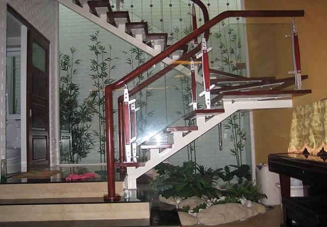 cầu thang cắt góc